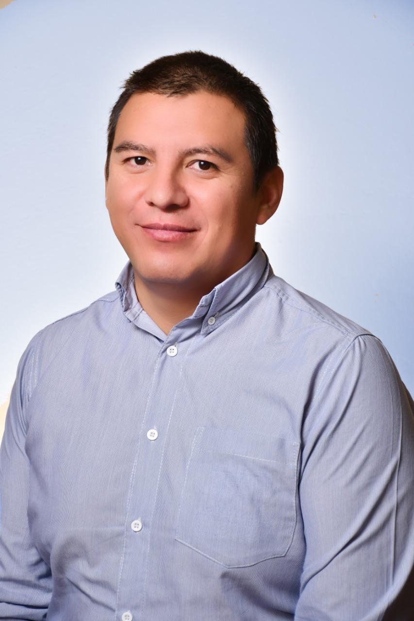 Dr. Marco Rolando Aguirre Saavedra